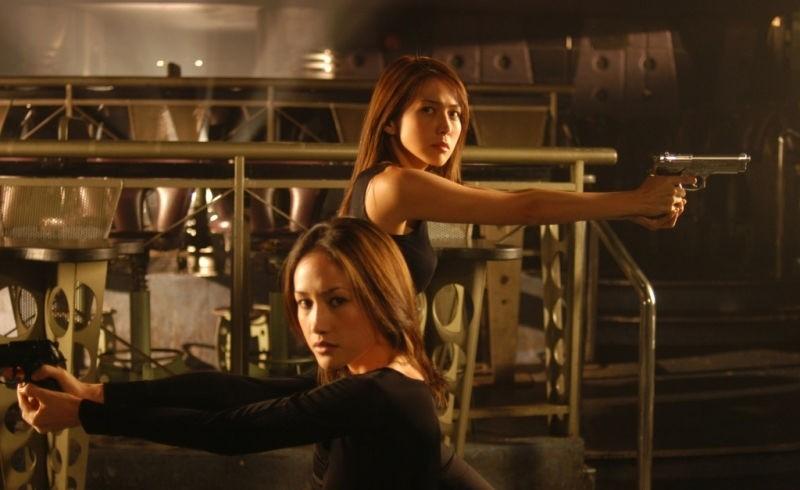Обнаженное оружие кадры из фильма