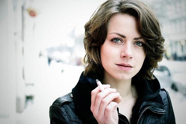 Алиса Двиер